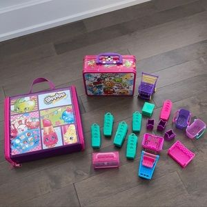 SHOPKINS Toy Bundle with Puzzles, Bins, Bags & Exclusive Carrying Case
